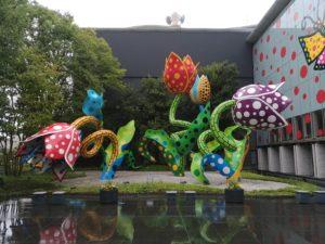 松本美術館前