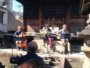 松應寺横丁にぎわい市太子堂前ライブ げんげ+まさおか