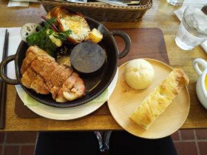 2017/01/21 ポポットの豚コンフィのステーキとパン