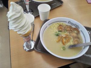 スガキヤ 肉入りラーメン+ソフトクリーム