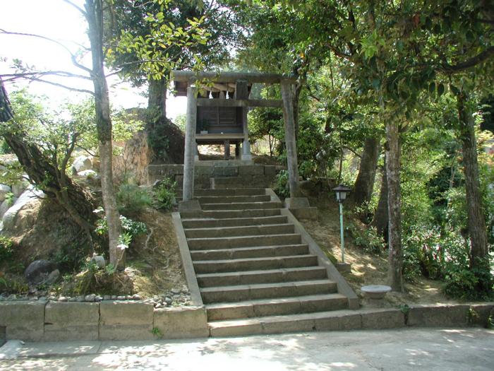 出雲市大津の焼火神社