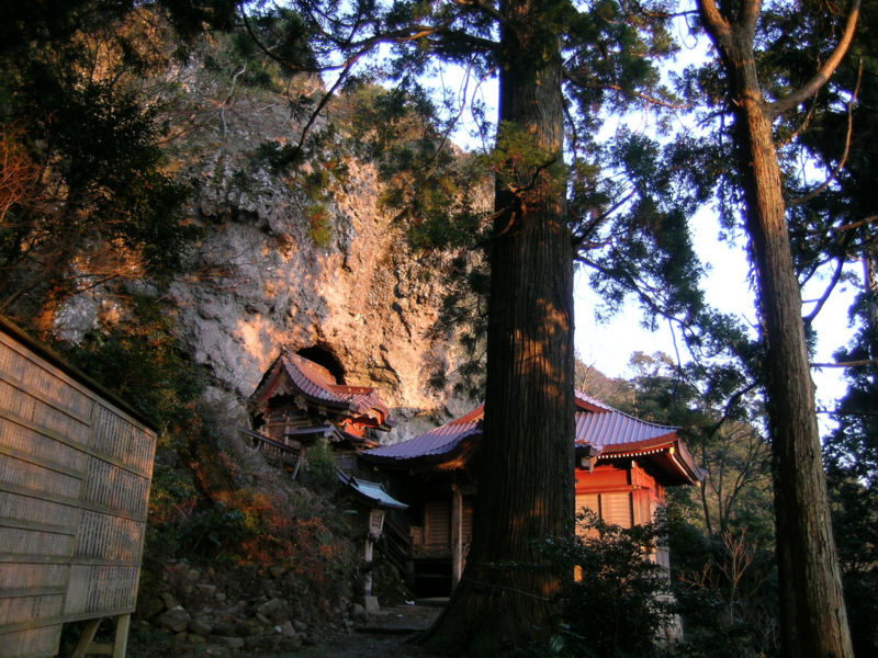 焼火神社 本殿 夕景