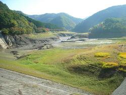 秋 空っぽの新穂ダム