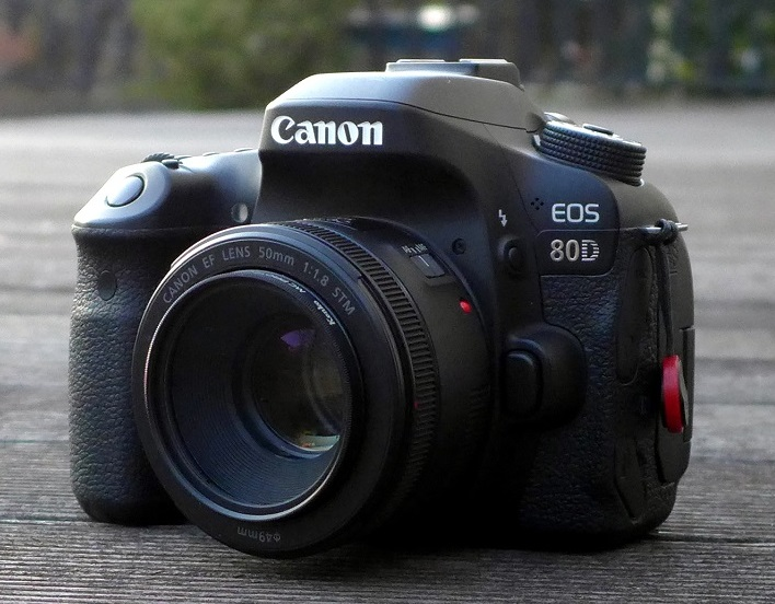 EOS 80D + Canon EF 50mm F1.8 STM