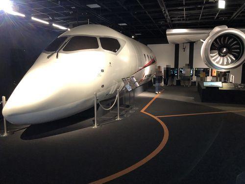 三菱みなとみらい技術館の飛行機
