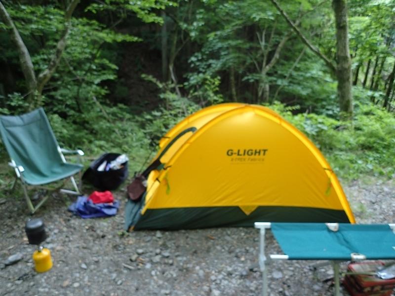 渓流、野営、テント