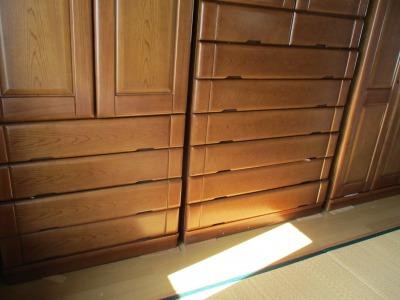 朝の15分掃除で窓を開けて、部屋をチェック