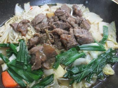 牛スジ肉料理をすき焼きにアレンジ