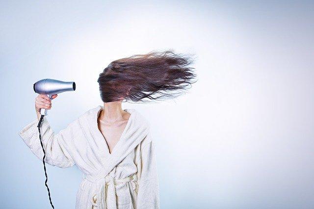 ドライヤー・髪の日焼け対策