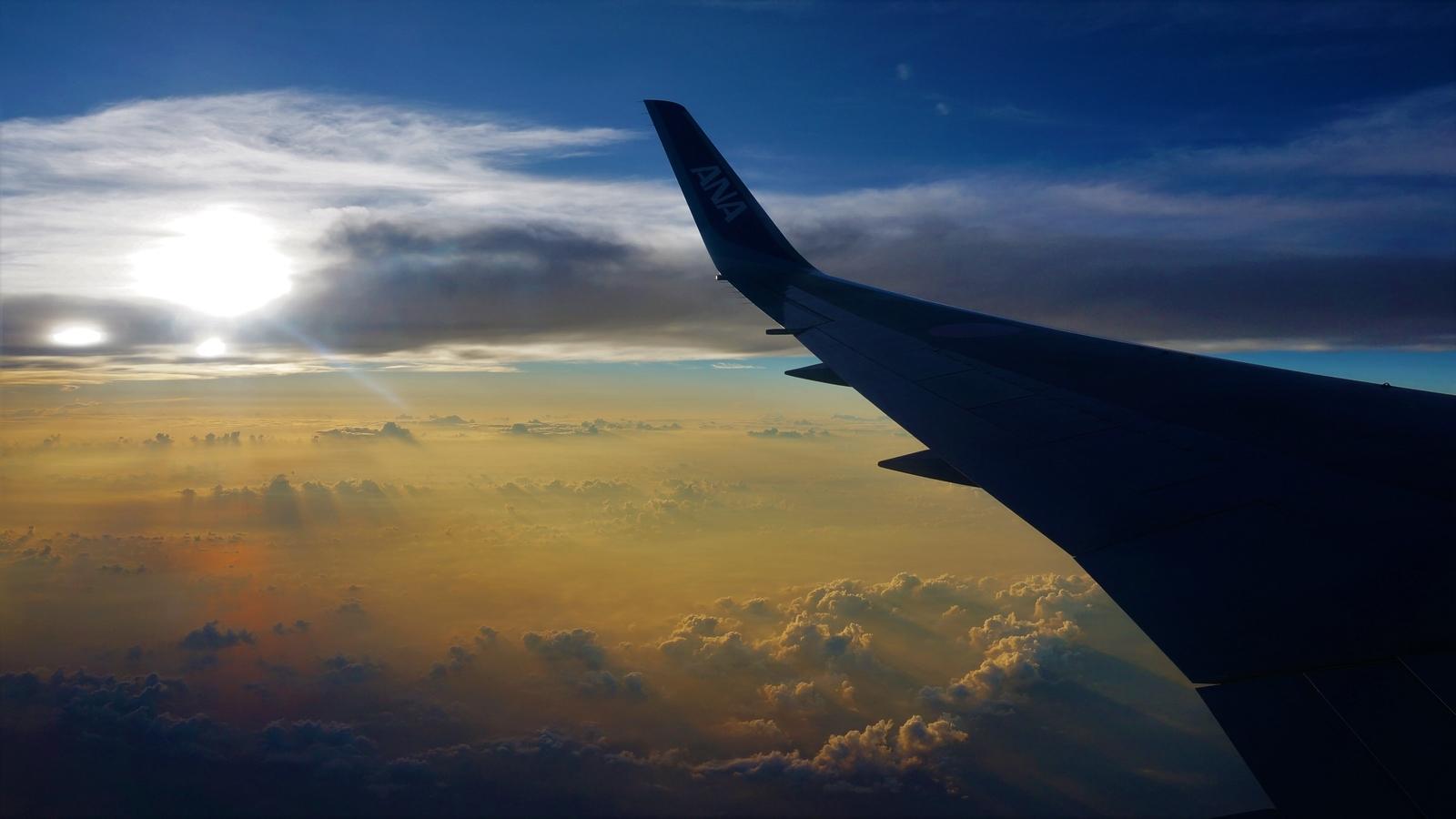 海外へ向かう飛行機