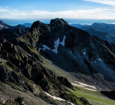上り詰めた山から見る景色、定年退職後の景色は近いものかもしれません。