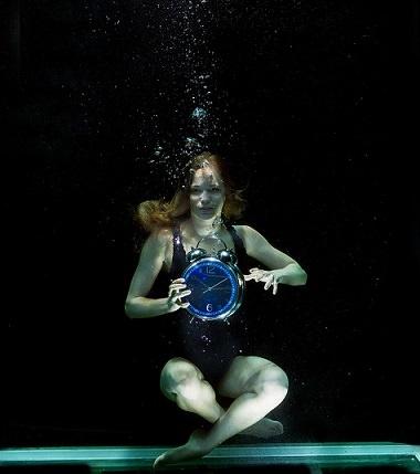 水中ブクブク時計お姉さん