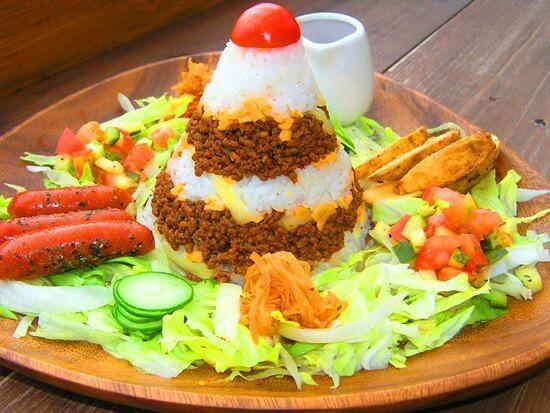 『浜辺のTipi Cafe』絶景の海とタコライスが楽しめるカフェ