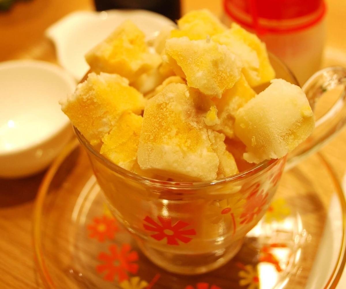 『マンゴーカフェ 木の葉』新鮮なマンゴーを使用したアイスケーキ