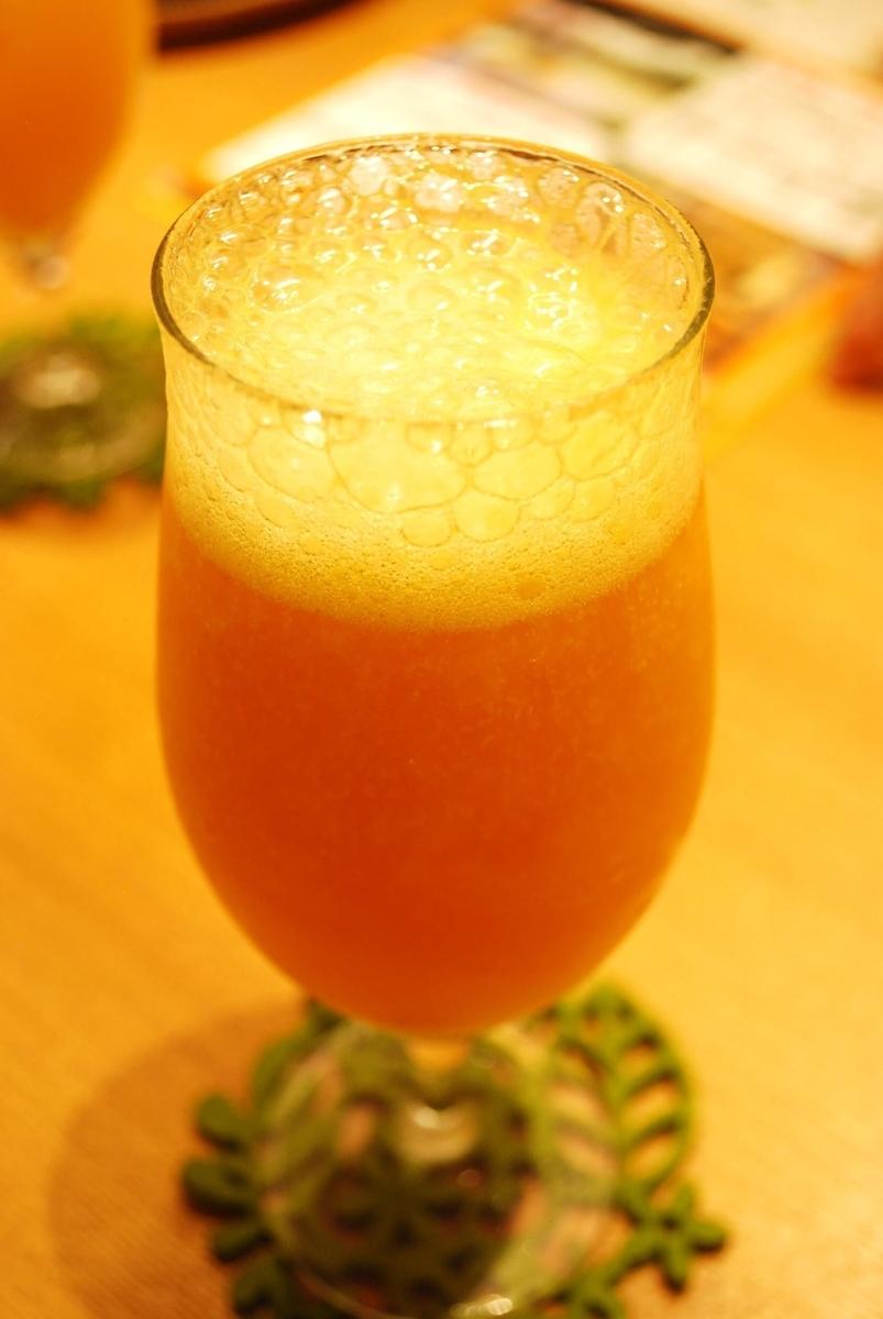 『マンゴーカフェ 木の葉』人気のマンゴービール