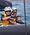 辺野古新基地:抗議船に海保船衝突 船損傷 拘束の男性けが | 沖縄タ