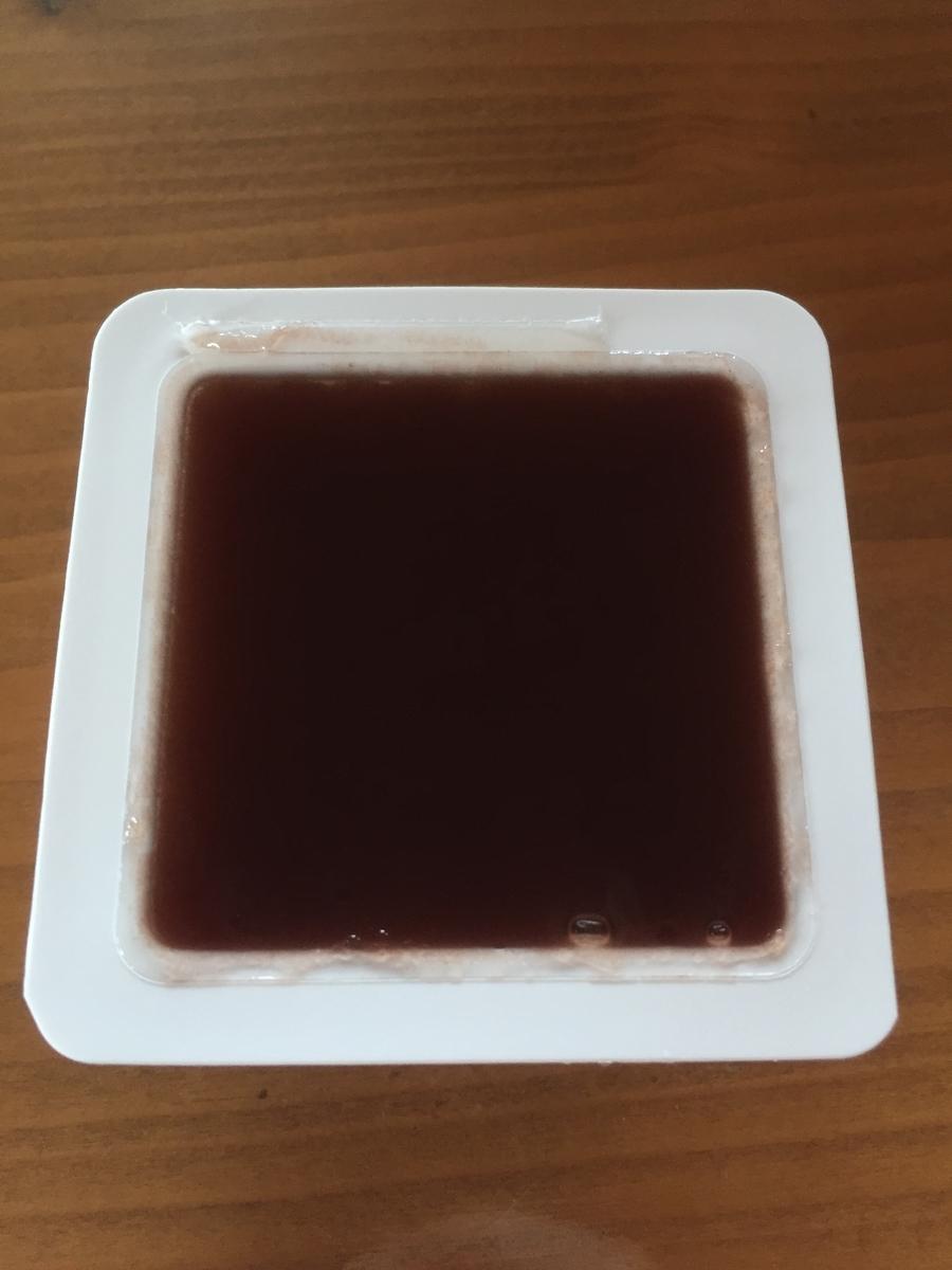 町田小田急百貨店B1Fで購入したとらやの水ようかんの蓋を取った表面を撮影した写真