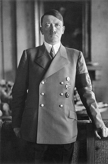 アドルフ・ヒトラーとは?
