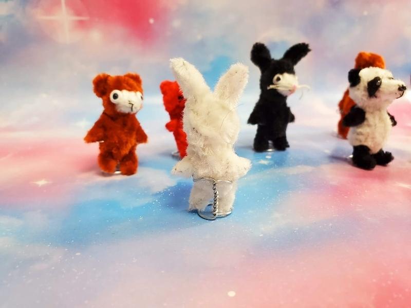 手芸用モールでウサギとパンダとクマをハンドメイド【ドールスタンド】