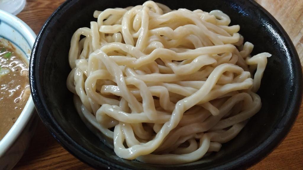 村岡屋の自家製麺