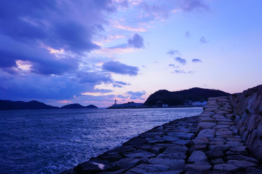 下津井の海岸沿い
