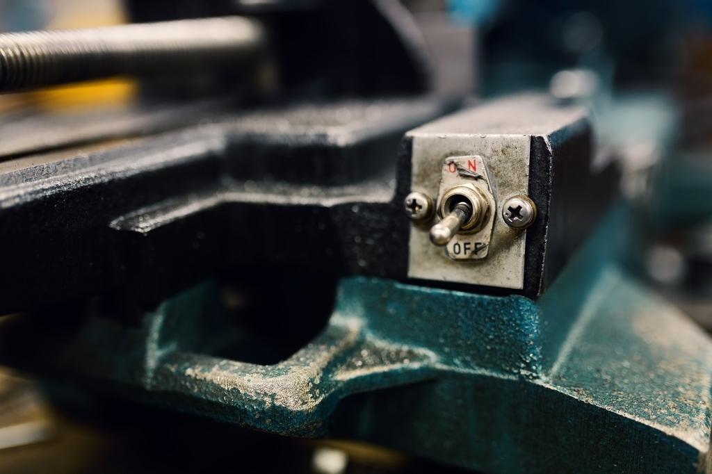 使い古された工作機械