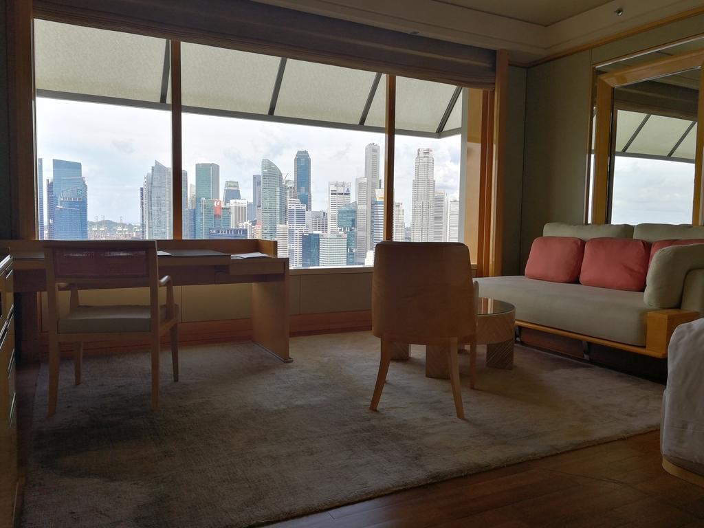 ザ・リッツ・カールトン・ミレニア・シンガポール窓から