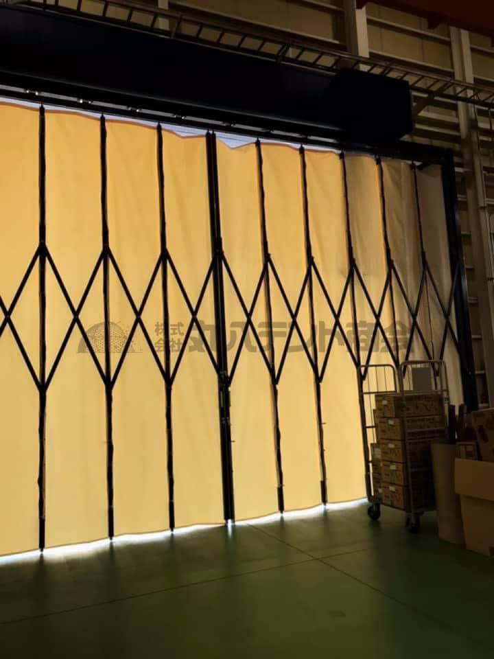 ジャバラカーテン【倉庫や工場の入り口に!】