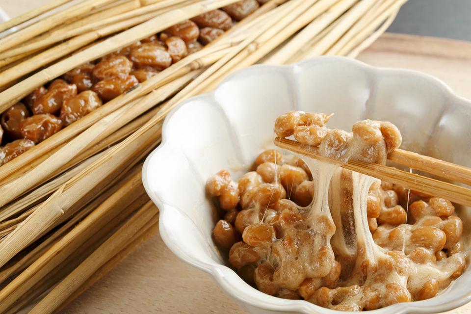 【納豆の効果・効能】美容と健康効果を増幅する納豆の食べ方 ...