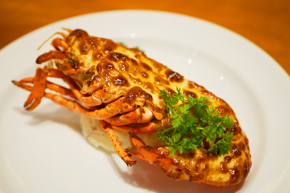 レッドロブスター沖縄国際通り店限定シーフードメニュー・ロブスターの黄金焼き