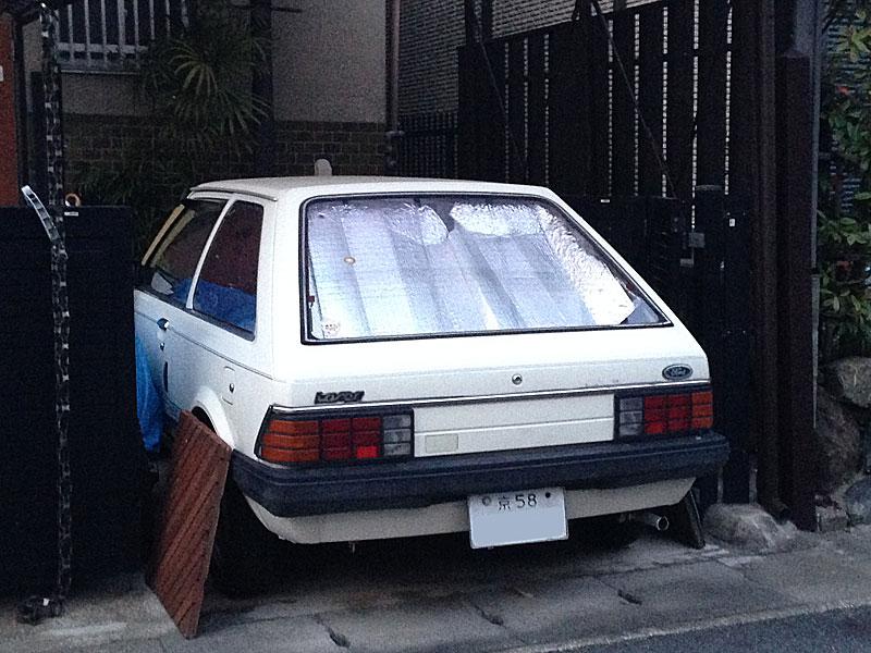 初代フォード・レーザー