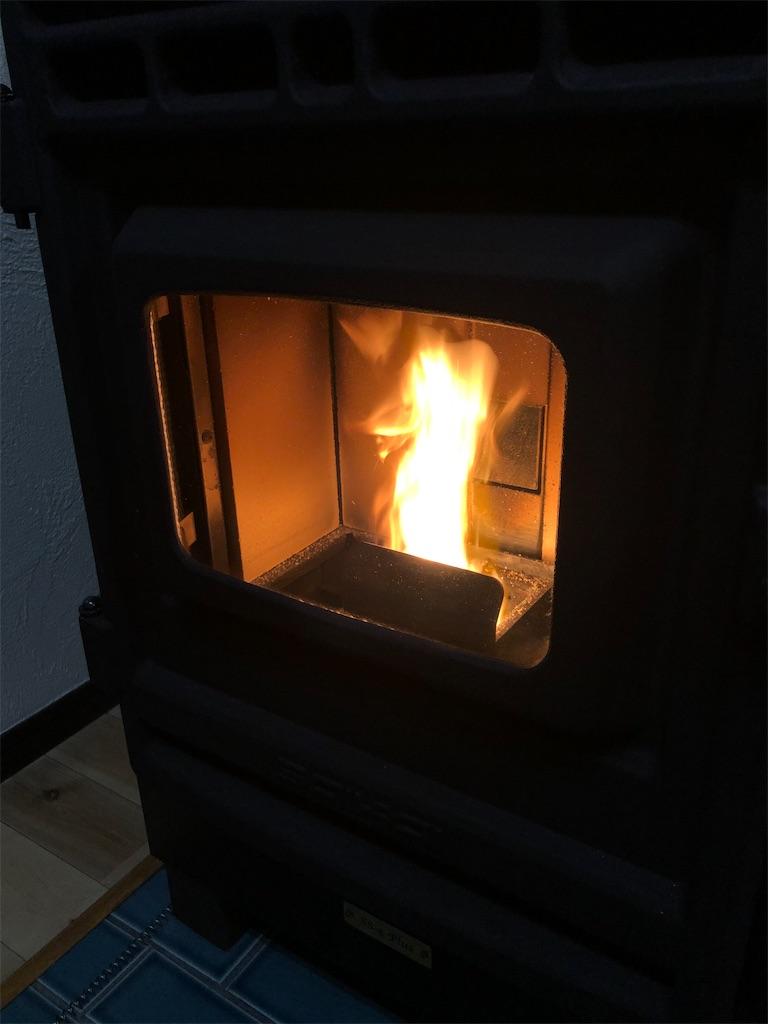 ペレットストーブの炎