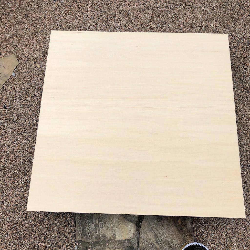 ベニヤ板。塗装前