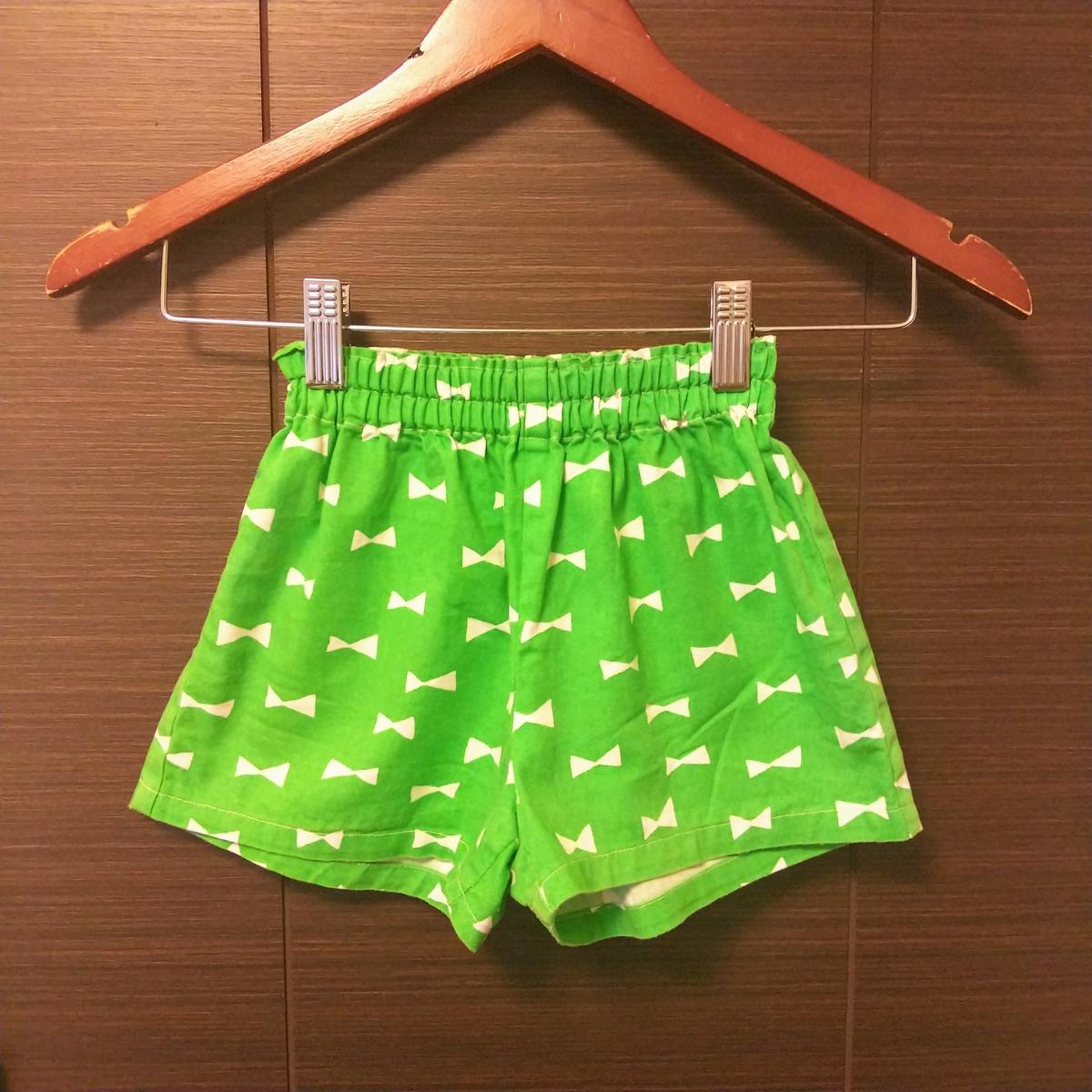 『女の子用ショートパンツ』①
