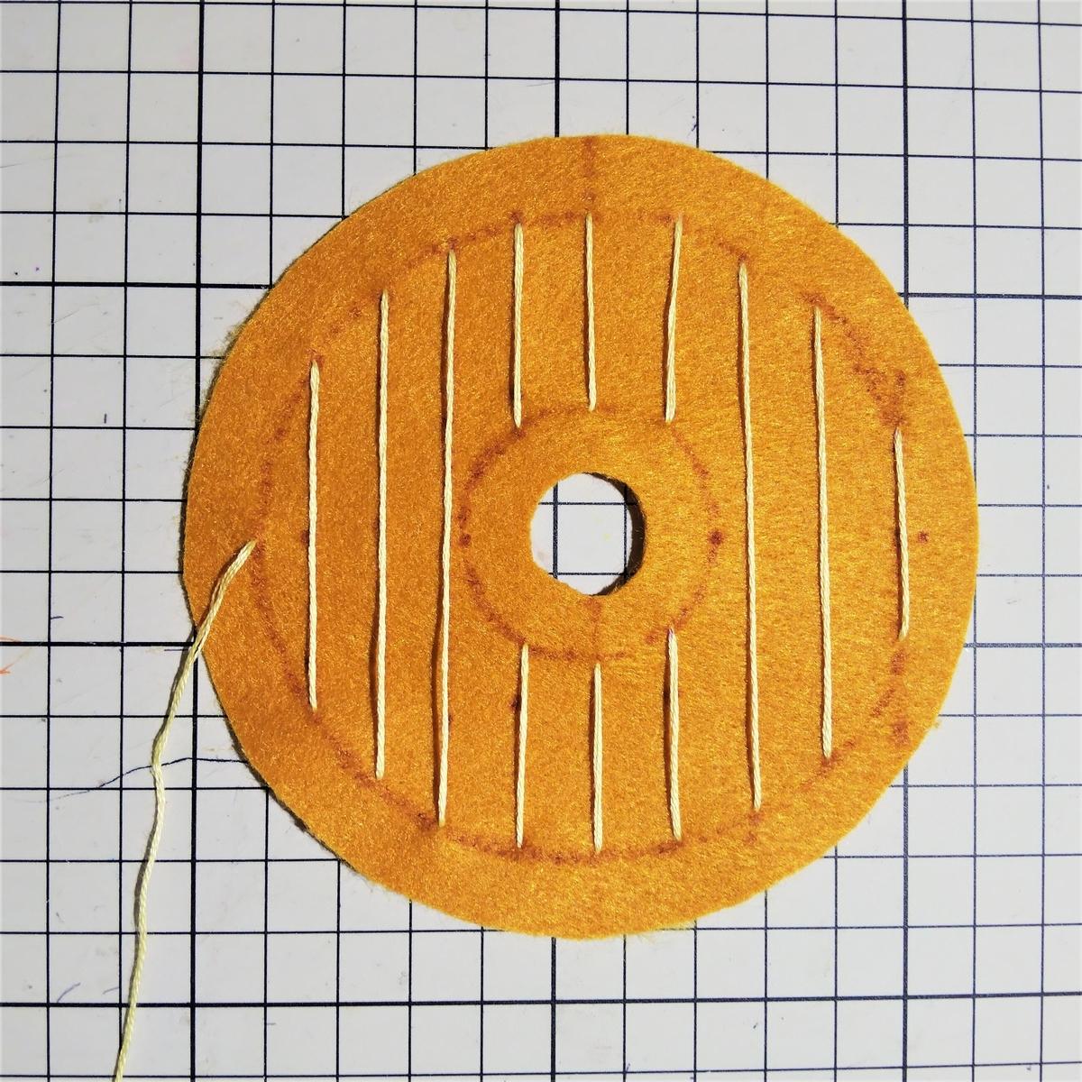 ハニーディップの作り方① 1㎝間隔を空けて刺繍する
