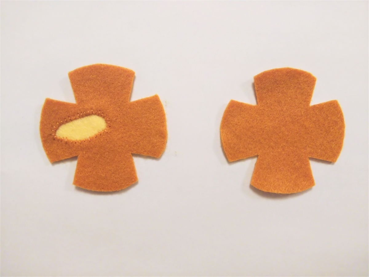 フェルトのドーナツポップの作り方② 裏から当てて縫い付ける