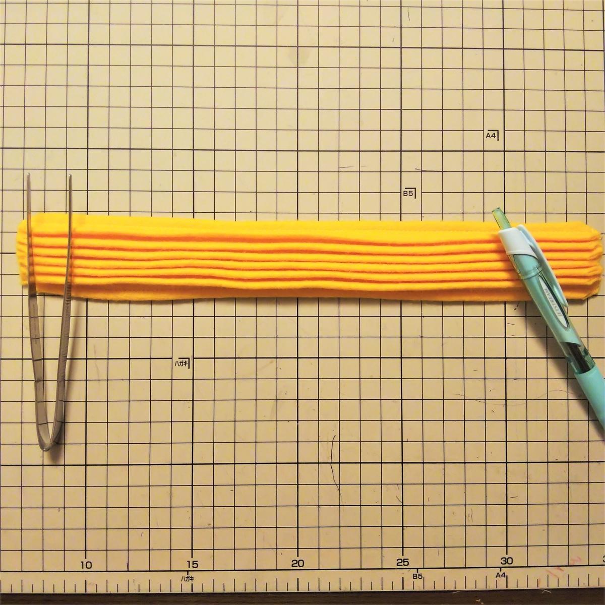 フェルトの『ハニーチュロス』の作り方② 8カ所全部縫う