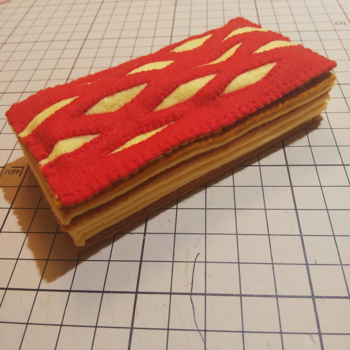 フェルトで作った『ラズベリーチーズパイ』