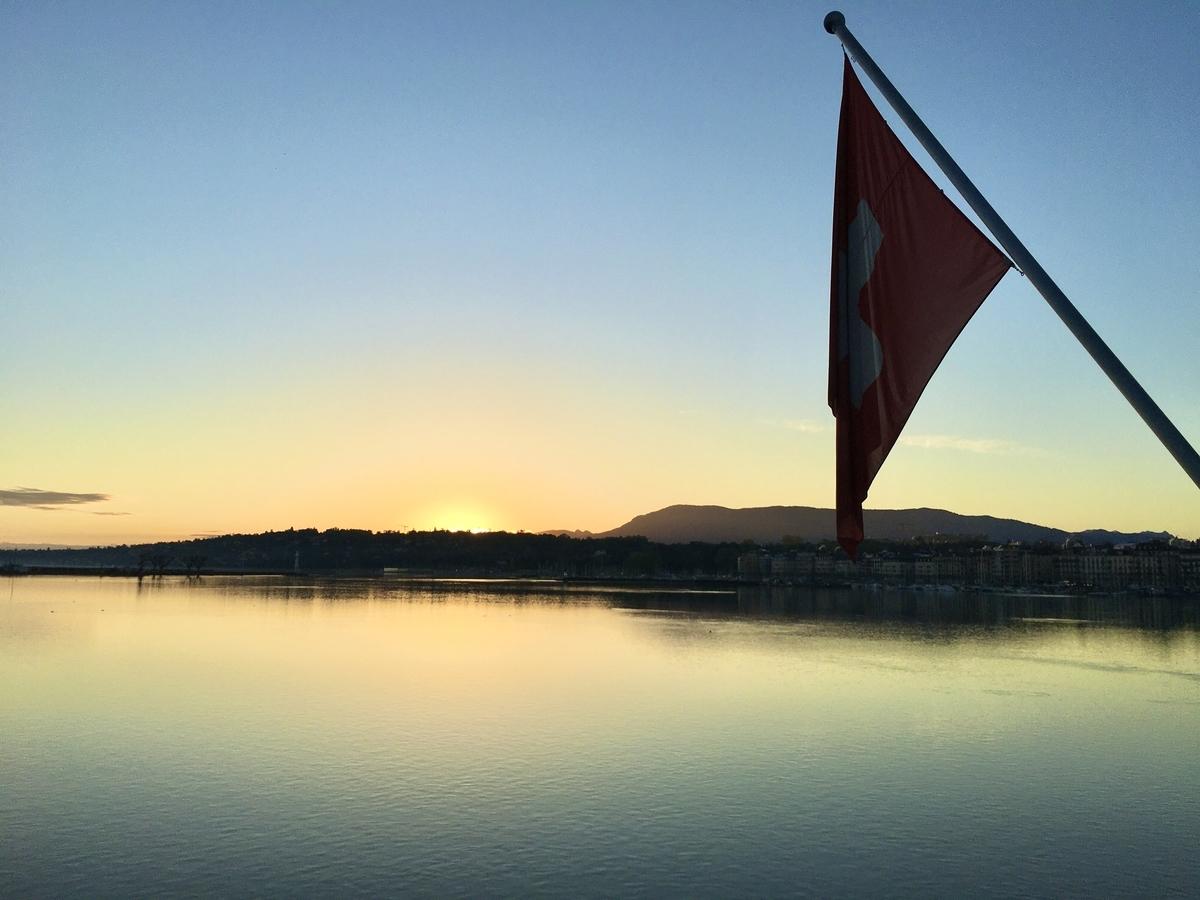 レマン湖の日の出