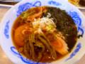 緑の謎の物体がサボテンです。麺は翡翠麺なので関係無し