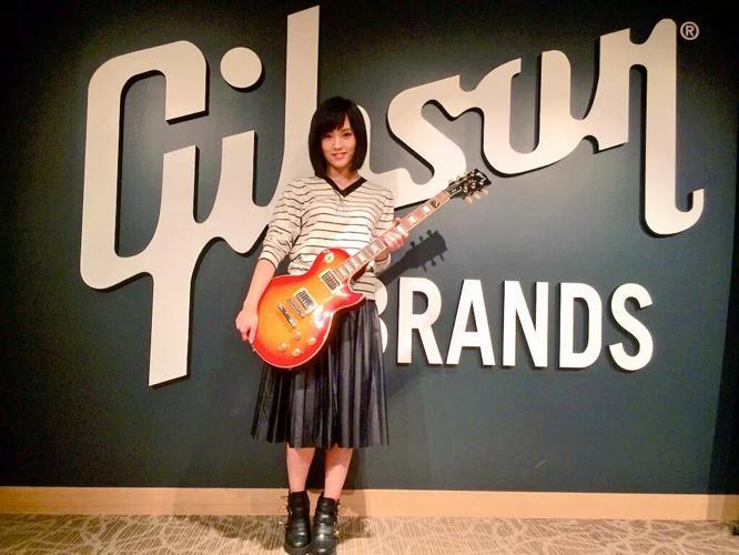 ギター 山本彩