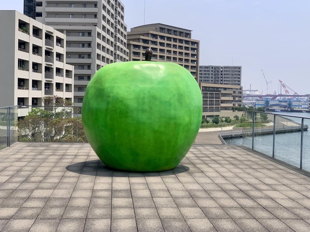 安藤忠雄「青りんご」