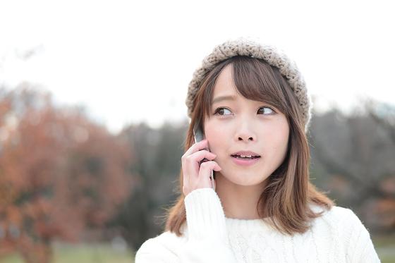 声や話し方からある印象を受ける女性