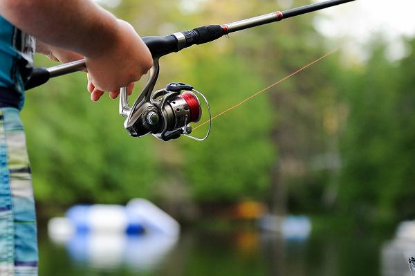 物で釣るイメージ