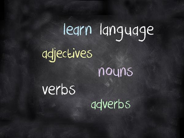 子供に英語教育をほどこすイメージ