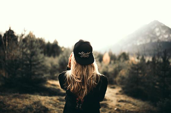 柔軟な思考から俯瞰する女性