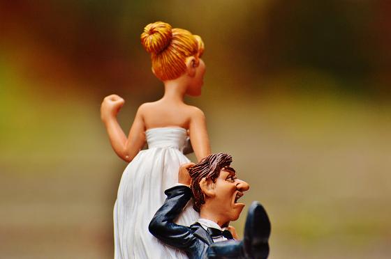 結婚相手(運命の人)を引きずる花嫁