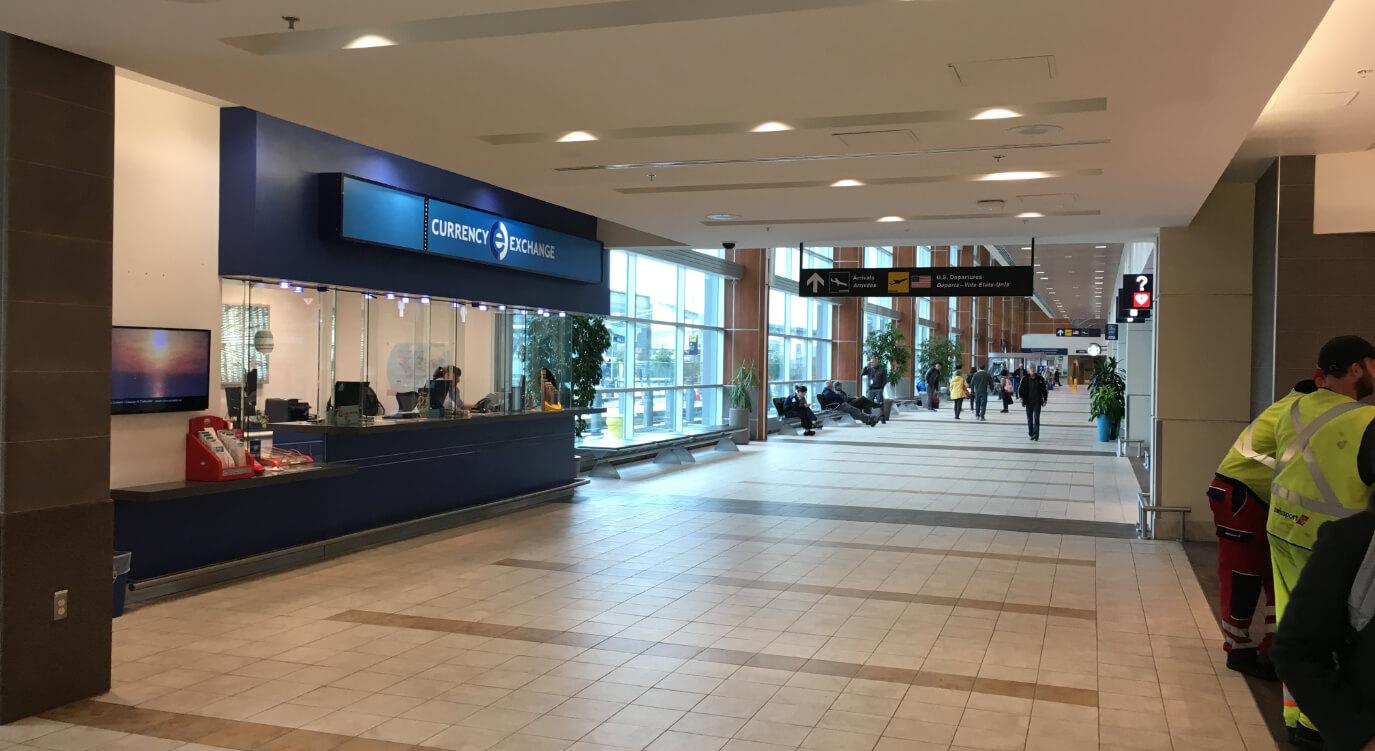 ハリファックス空港にある通貨交換所。レートは特にお得ではありません。