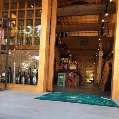 日本酒の品揃いが豊富!万膳酒店|theDANN media