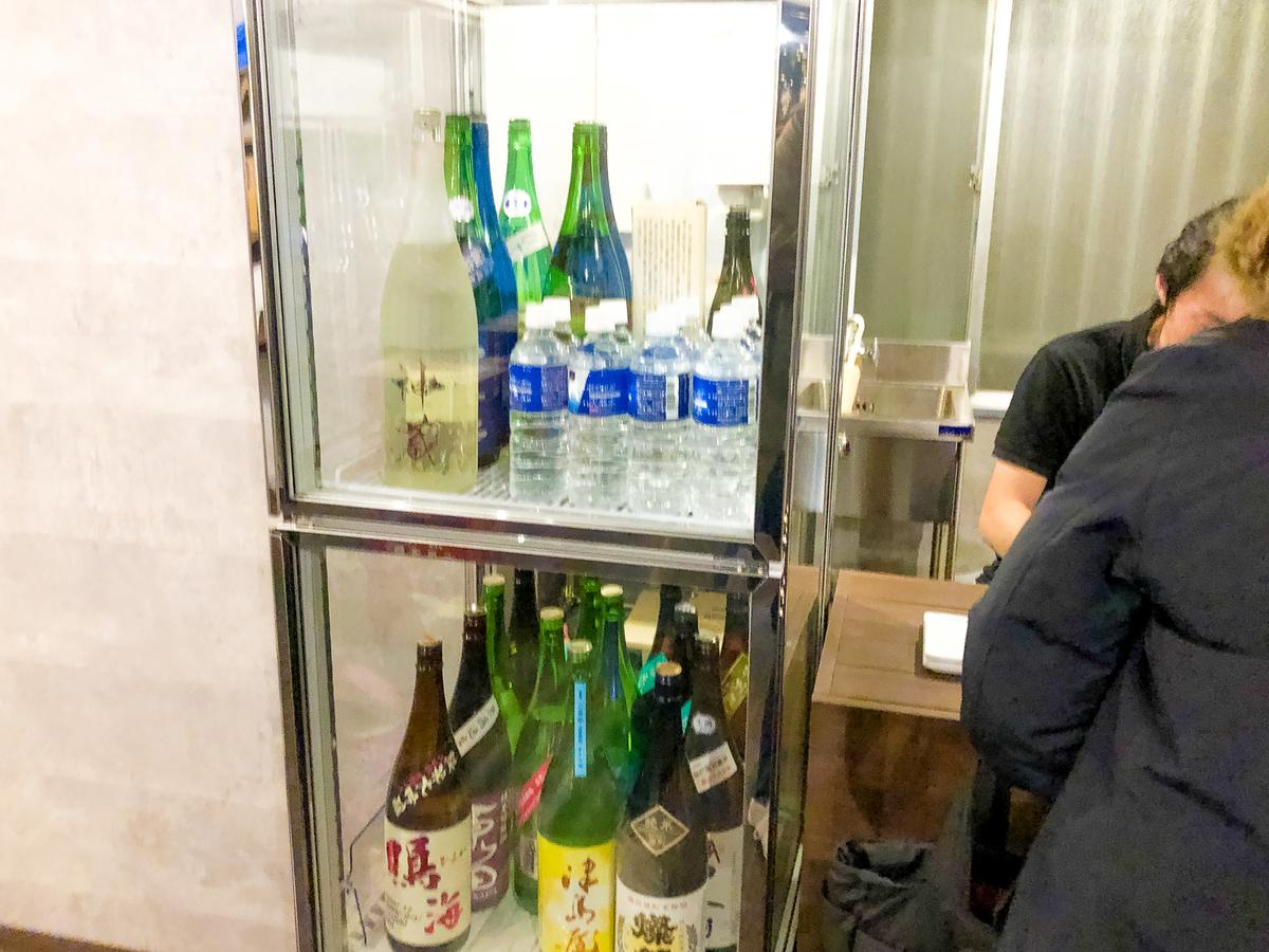 試飲するお酒|theDANN media